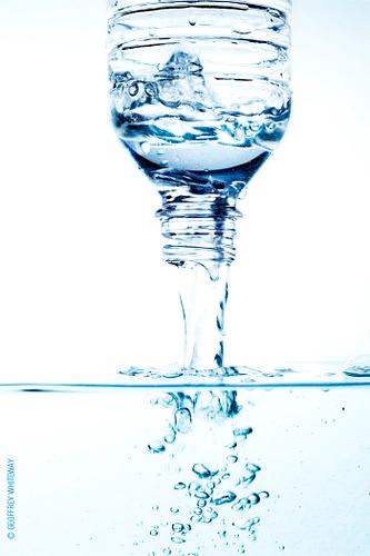Bouteilles d'eau contenant du fluor, Ondes de Vie